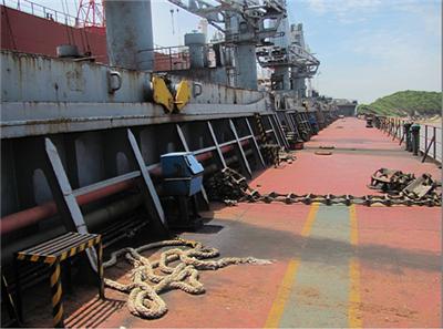 码头船甲板矢量图